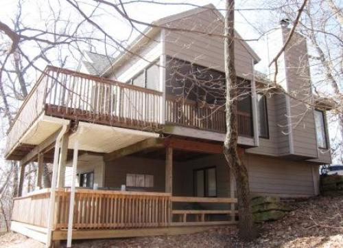 Galena, Illinois Vacation Rental Homes - Beautiful 4 Bedroom Home with NEW HOT TUB, Gorgeous Outdoor Spaces and Golf Course View